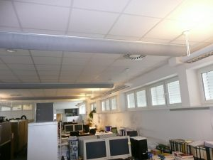 Kienzler-Luftschlauch-Gewerbe-Buero-07Kienzler-Luftschlauch-Krankenhaus-Labor-03-Textilluftschlauch-Luftverteilsystem