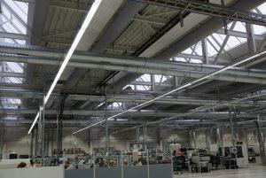 Kienzler-Luftschlauch-Industrie-Handwerk-04Kienzler-Luftschlauch-Krankenhaus-Labor-03-Textilluftschlauch-Luftverteilsystem