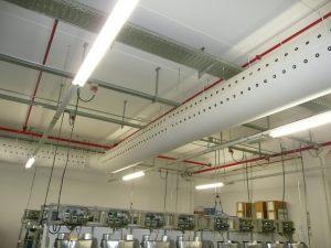 Kienzler-Luftschlauch-Industrie-Handwerk-14Kienzler-Luftschlauch-Krankenhaus-Labor-03-Textilluftschlauch-Luftverteilsystem