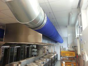 Kienzler-Luftschlauch-Lebensmittelindustrie-03Kienzler-Luftschlauch-Krankenhaus-Labor-03-Textilluftschlauch-Luftverteilsystem