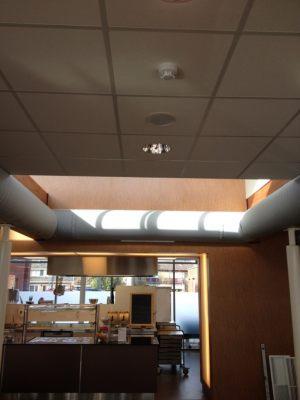 Kienzler-Luftschlauch-Lebensmittelindustrie-05Kienzler-Luftschlauch-Krankenhaus-Labor-03-Textilluftschlauch-Luftverteilsystem